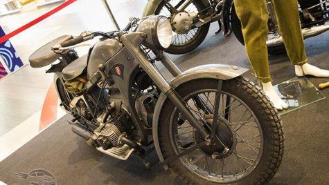 Expoziție de motociclete de epocă la Sun Plaza